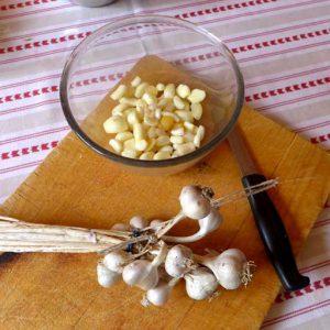 Peeling garlic