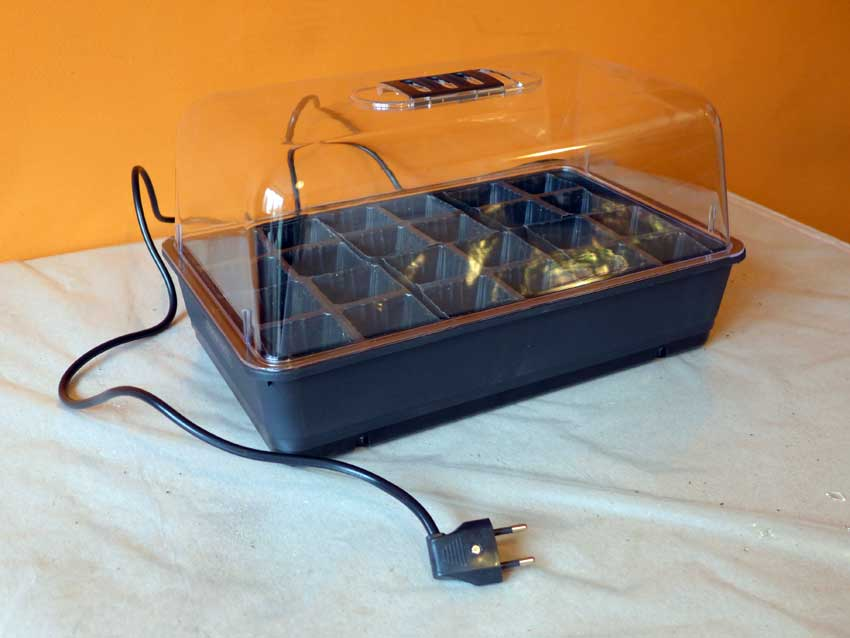 Domestic seed propagators - My new electric heated propagator