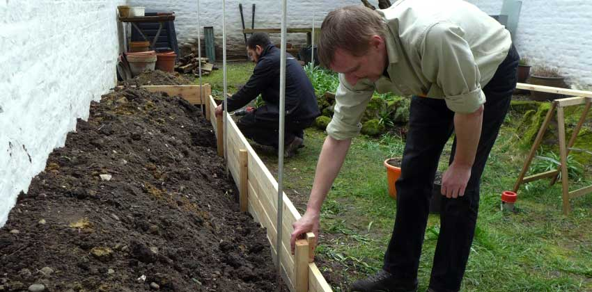 Building raised bed gallery